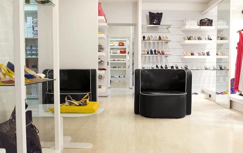Thiết kế nội thất cửa hàng 5