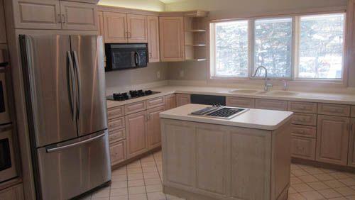 tủ bếp gỗ tự nhiên giá rẻ 030