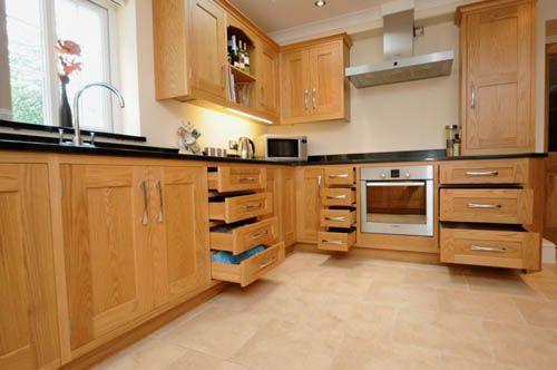 tủ bếp gỗ tự nhiên giá rẻ 010